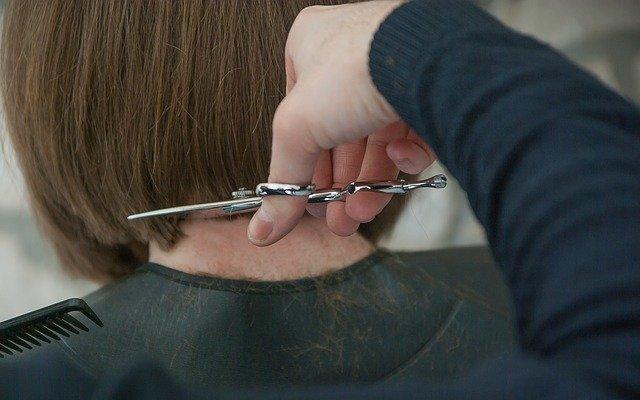 corte de pelo en Mojácar de la peluqueria el Rincon de Mary
